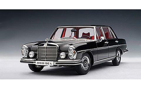 メルセデスベンツ 300 SEL 6.3 1970 ブラック (1/18 オートアート76140)