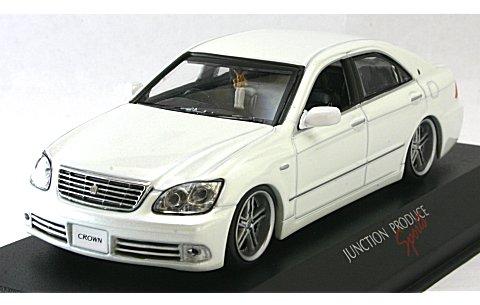 トヨタ クラウン ロイヤル 2005 ホワイト HERITAGE III仕様 (1/43 京商JCK31001JPW)