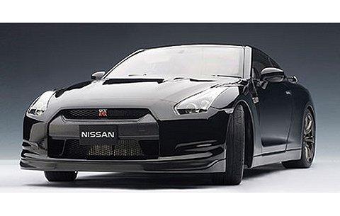 ニッサン GT-R (R35) プレミアムエディション スーパーブラック (1/12 オートアート12218)