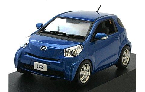 トヨタ IQ ブルー (1/43 JコレクションJC60002BL)