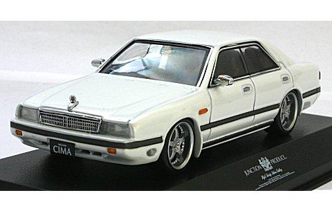 ニッサン シーマ FY31 ホワイト NEW SCARA JAPAN仕様 (1/43 京商K03709JPW)