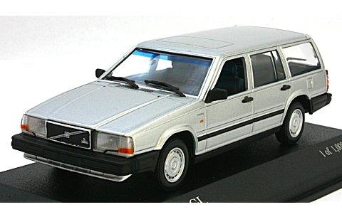 ボルボ 740 ブレーク 1986 シルバーM (1/43 ミニチャンプス400171711)