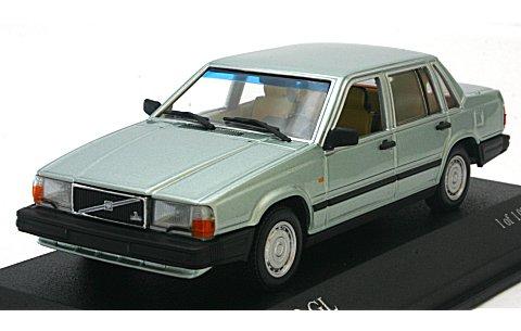 ボルボ 740 1986 ライトグリーンM (1/43 ミニチャンプス)