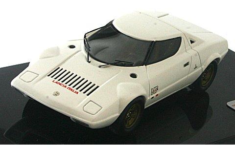 ランチア ストラトス HF プロトタイプ 1971 ホワイト (1/43 リアルイノベーションモデルRIM71012)
