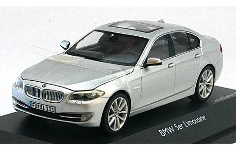 BMW 5シリーズ リムジン チタンシルバー (1/43 シュコー450721600)