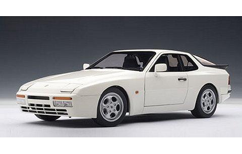 ポルシェ 944 ターボ 1985 ホワイト (1/18 オートアート77958)