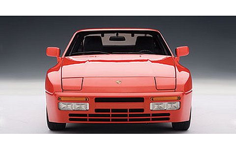 ポルシェ 944 ターボ 1985 レッド (1/18 オートアート77957)
