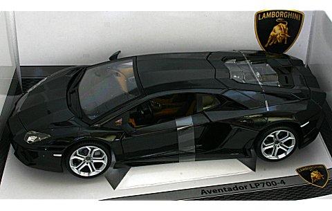 ランボルギーニ アヴェンタドール LP700-4 ブラック (1/18 ブラゴ181292)