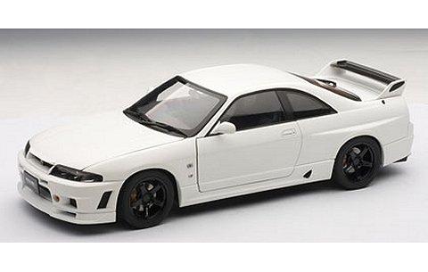 ニッサン スカイライン GT-R (R33) ニスモ Rチューン マット・ホワイト (1/18 オートアート77325)
