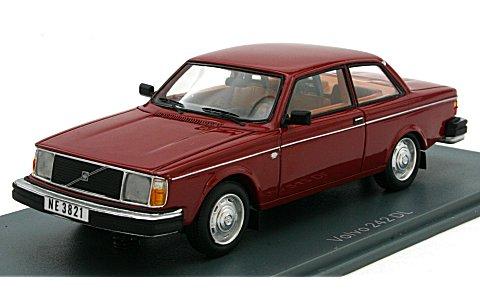 ボルボ 242 1975 レッド (1/43 ネオNEO43821)