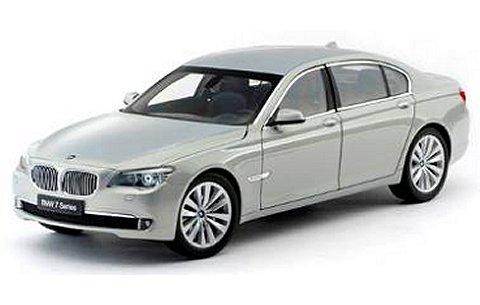 BMW 750Li (F02) MOON STONE (1/18 京商K08781MS)