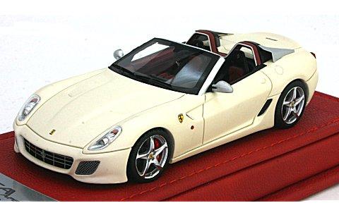 フェラーリ FA アペルタ 2010 Fuji ホワイト (1/43 BBR BBRC49FW)