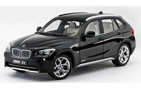 BMW X1 sDrive28i (E84) ブラック (1/18 京商K08791BK2)