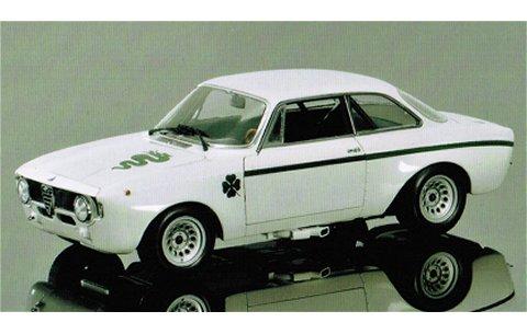 アルファロメオ GTA 1300 ジュニア 1972 ホワイト (1/18 ミニチャンプス100120501)