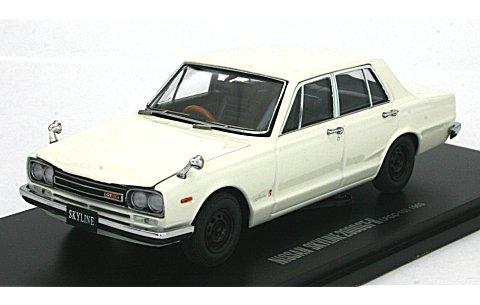 ニッサン スカイライン GT-R (PGC10/4ドア/エンジン付) ホワイト (1/43 京商K05510W)