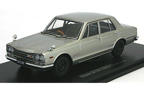 ニッサン スカイライン GT-R (PGC10/4ドア/エンジン付) シルバー (1/43 京商K05510S)