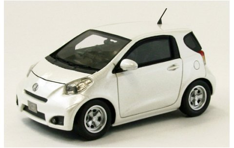 トヨタ IQ ホワイト (1/43 エブロ44696)