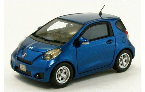 トヨタ IQ ブルー (1/43 エブロ44697)