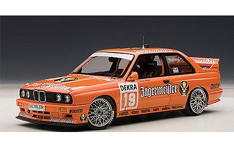 BMW M3 (E30) DTM 1992 No19 「JAGERMEISTER」 アルミン・ハーネ (1/18 オートアート89248)