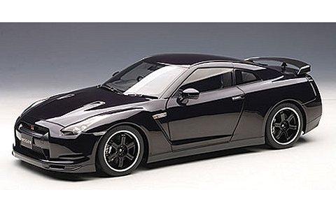 ニッサン GT-R (R35) スペックV オパールブラック (1/12 オートアート12201)