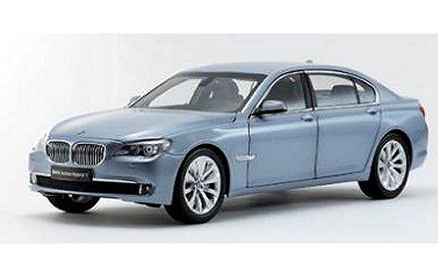 BMW アクティブハイブリッド 7 ブルーウォーターM (1/18 京商K08782BW)