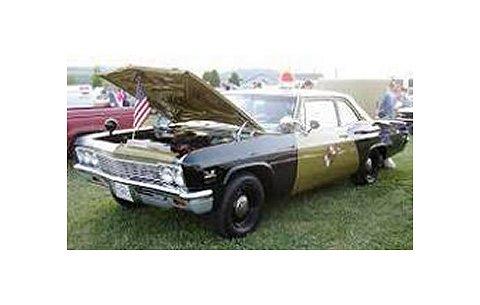 シボレー Biscayne 1966 メリーランド州警察パトカー (1/18 アメリカンマッスルAMM1030)