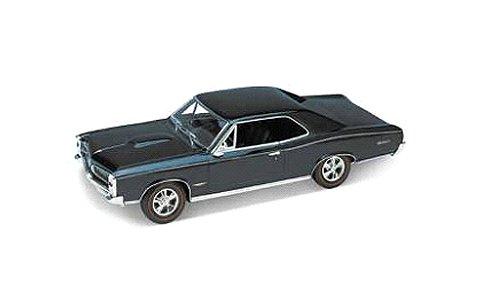 ポンティアック GTO 1966 ダークグリーン (1/18 ウエリーWE19856DG)