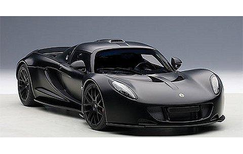 ヘネシー ヴェノム GT スパイダー マットカーボンブラック (1/18 オートアート75401)