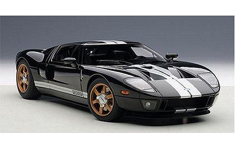 フォード GT ブラック/シルバーストライプ (1/18 オートアート73023)