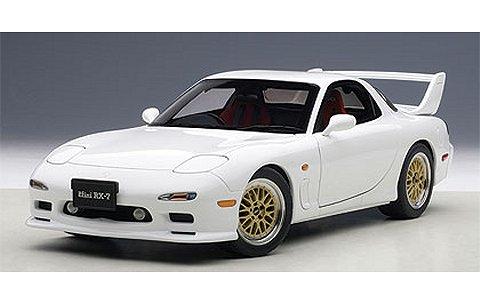 マツダ アンフィニ RX-7 (FD3S)チューンド・バージョン ピュアホワイト (1/18 オートアート75967)
