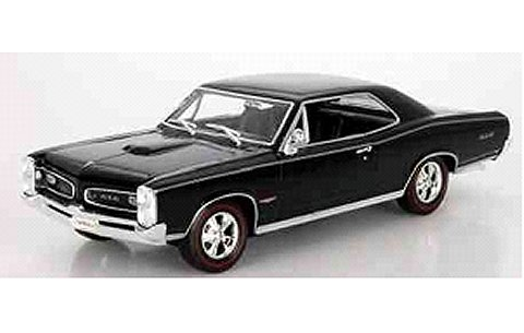 ポンティアック GTO 1966 ブラック (1/18 ウエリーWE19856BK)