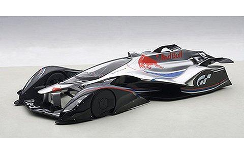 レッドブル X2014 ファンカー ハイパーシルバー (1/18 オートアート18117)