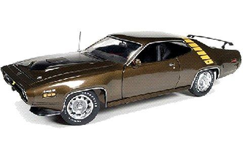 1971 プリムス ロードランナー ハードトップ Tawny ゴールドM (1/18 アメリカンマッスルAMM1063)