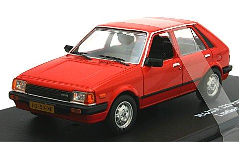 マツダ 323 5ドア ハッチバック レッド 1982 (1/43 トリプル9 T9-43056)