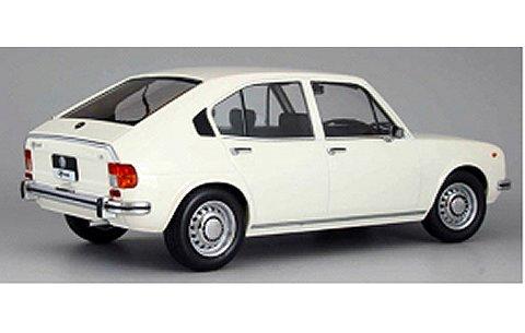 アルファロメオ アルファスッド 1974 ホワイト (1/18 KKスケール KKDC180022)