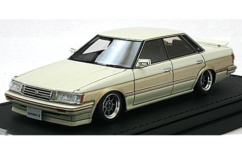 トヨタ マークII グランデ (GX71) ホワイト/ゴールド (1/43 イグニションモデルIG0676)