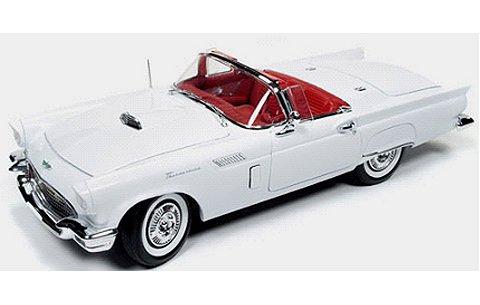 1957 フォード サンダーバード クリスマスVer. No3 ホワイト/レッド (1/18 アメリカンマッスルAMM1089)