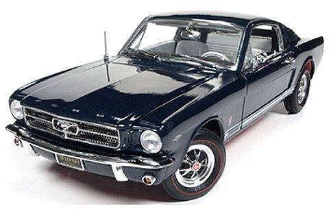1965 フォード マスタング GT 2+2 カスピアンブルー (1/18 アメリカンマッスルAMM1093)
