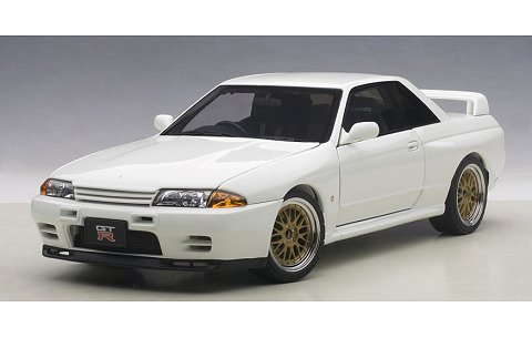 ニッサン スカイライン GT-R (R32) V-Spec II チューンド・バージョン ホワイト (1/18 オートアート77416)